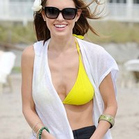 Audrina Patridge demonstrates her yummy boobs!