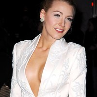 Blake Lively Sexy pictures hot!
