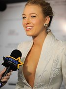 Blake Lively nude 66