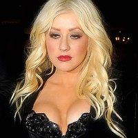 Christina Aguilera walks her boobs