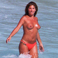Daisy Fuentes Revealing and hot pictures of Daisy!