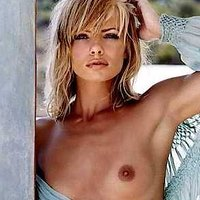Jaime Pressly and her nude body