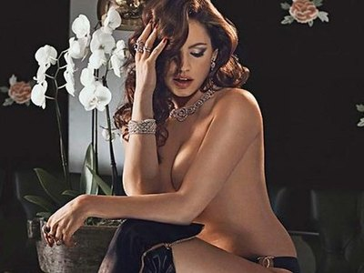 Hot Kelly Brook in her first calendar posing!