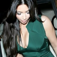 Kim Kardashian shows off her perfect Cleavage