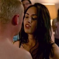 Megan Fox seducing some lucky guy in 'How To Lose Friends  And Alienate People