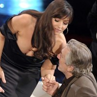 Monica Bellucci Boobs Spilled In De Niro's Face
