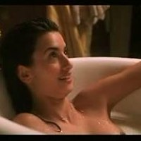 Great teasing scenes with Penelope Cruz from 'La Nina De Tus Ojos'