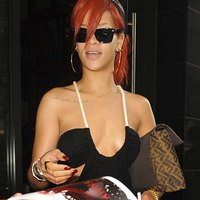 Rihanna tempting cleavage pics